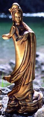 Tuotekuva: Messinkinen Kuan Yin (Guanyin – myötätunnon jumalatar)
